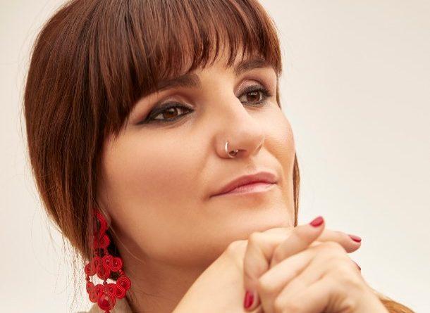 """ROZALÉN #1 EN LA LISTA DE VENTAS CON SU NUEVO DISCO """"EL ÁRBOL Y EL BOSQUE"""""""